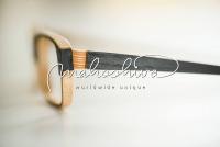 individuell handgefertigte Holzbrille, mahoshiva
