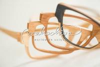 individuell handgefertigte Holzbrillen, mahoshiva